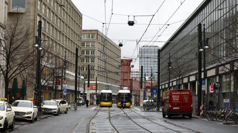 برلین: این قوانین سختگیرانه تاج اعمال می شود