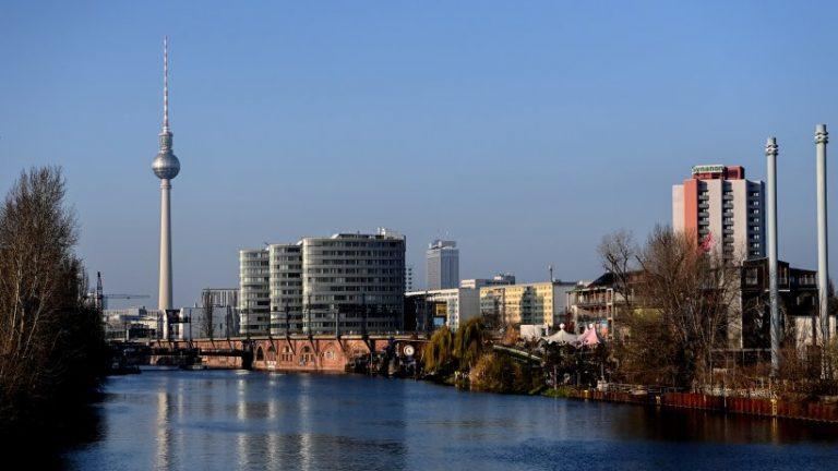 تاج: سنای برلین شعاع 15 کیلومتری با فرکانس بیش از 200 را تصمیم می گیرد