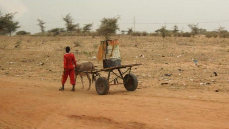 مرکل و ماکرون: حمایت جهانی از خشکی و دریاها