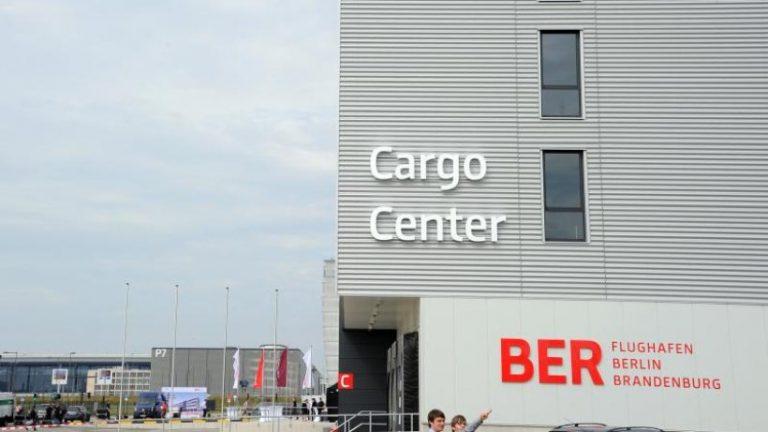 تجارت باری در فرودگاه های برلین به شدت افت کرد