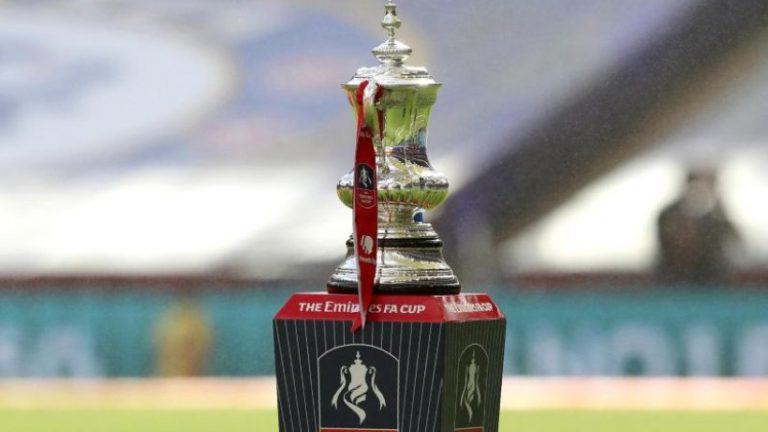 جام حذفی استون ویلا مقابل لیورپول در حال برگزاری است