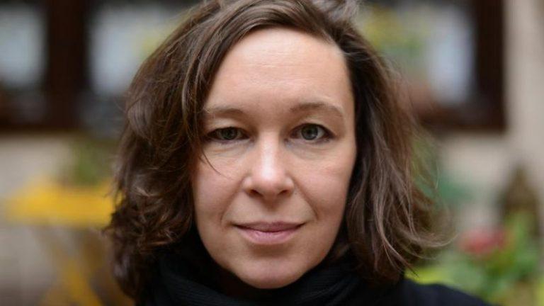 شاعر مونیکا رینک جایزه ادبیات برلین 2021 را دریافت کرد
