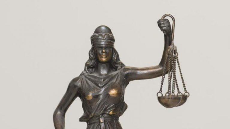 دادگاه عالی اداری الزامات مربوط به گواهینامه های ماسک را لغو کرد