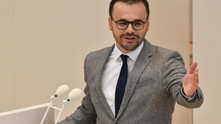 رئیس CDU برای Laschet یا Söder به عنوان کاندیدای صدارت