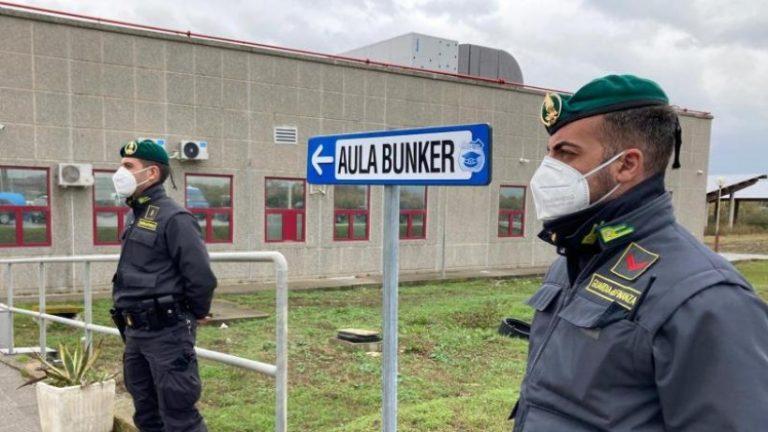 صدها نفر از اوباش متهم هستند: دادگاه Ndrangheta